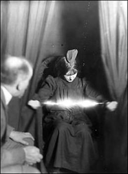 The medium Eva Carrière in 1912