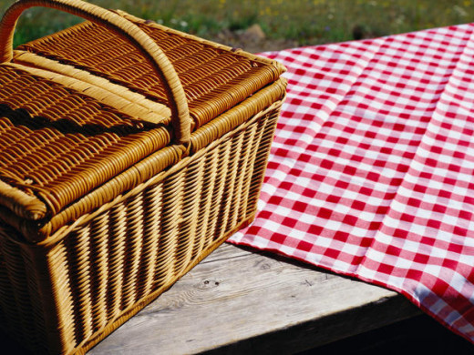 Now that the weather's warming up, plan the perfect family picnic for the weekend.