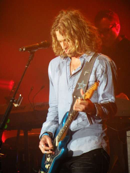Casey James performing on the American Idol Live tour in Denver, CO on 8/23/2010