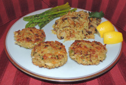 Crab Cakes Recipe w Fresh Crab