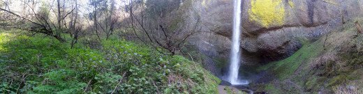 A panoramic view of Latourell Falls.