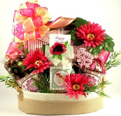 Pamper your Mother with these great spa and beauty gift baskets from Amazon.com