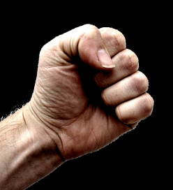 Best Way to Improve Your Memory and Recall – Just Clench your Fists