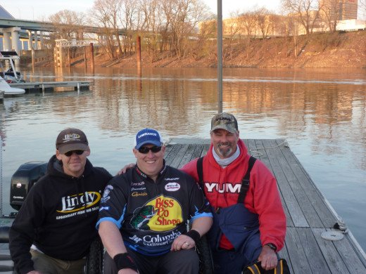 Jonathon Herndon, Troy Jens and Mike Johnson at Mudd Island Marina. Getting ready for a day of filming Maximum Catfishing!