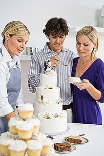 Selecting a Wedding Cake