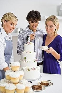 Selecting a Wedding Cake