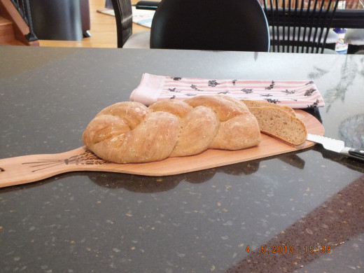 The bread has cooled and is ready to cut.