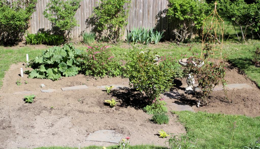 A mother s day gift garden for seniors for Low maintenance gardens for the elderly