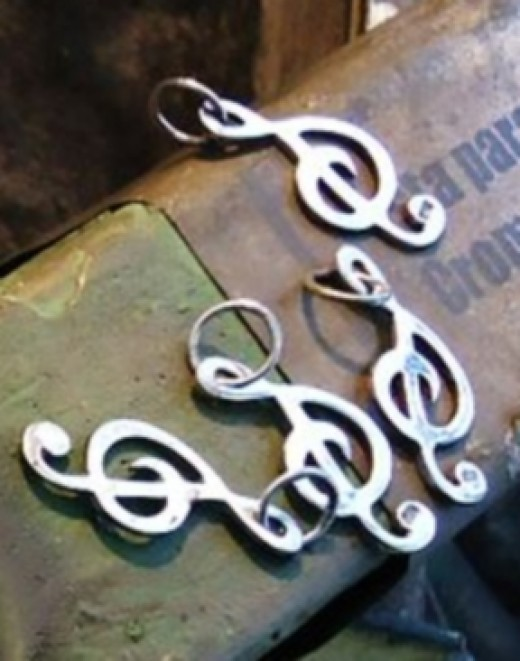Cleaning and Polishing Jewellery