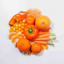 The colour is due to an antioxidant called beta-carotene,that can protect against many diseases.