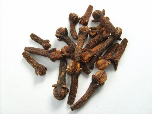 This antiseptic and anti-inflammatory spice is often used to ease toothache.