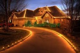 Some homes are so expensive and beautiful that just simple lights on the outside can make it look extraordinary!