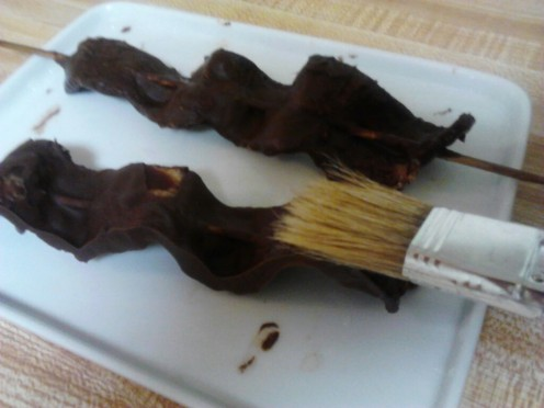 """Paint"" your chocolate sauce on Quickly."