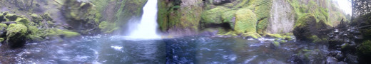 A closer panoramic of Wahclella Falls and the pool below