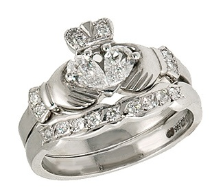 Claddagh-An Irish Bride's Traditional Engagement/Wedding Ring