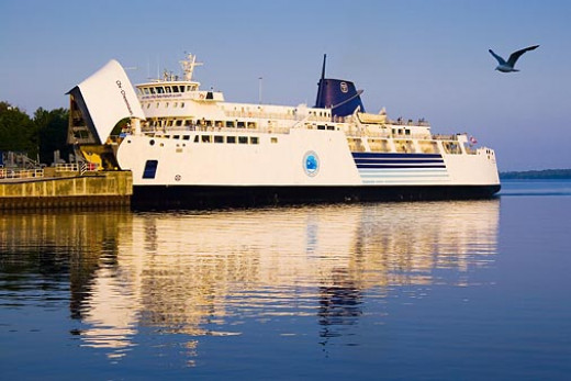 Photo of the Chi-Cheemaun Docked