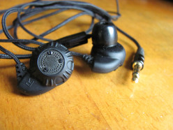 Earbud Review:  Monoprice 8320