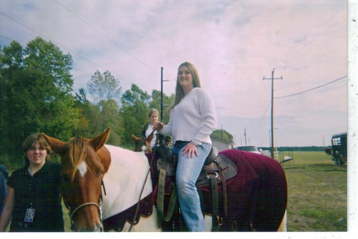 One of Shannon's favorite things to do on a date was horseback riding.