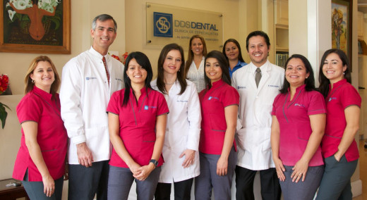 Dr. Prada and his staff, DDS Dental Costa Rica