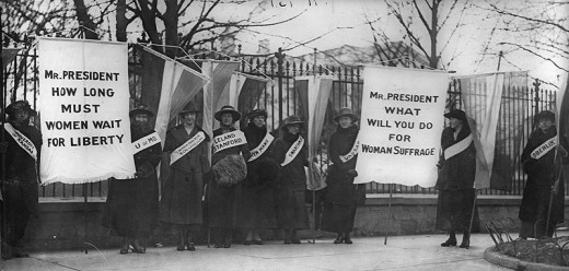 Suffragists march on Washington, D.C.,1913