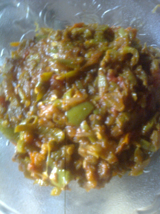 The tasty capsicum curry is ready to serve.