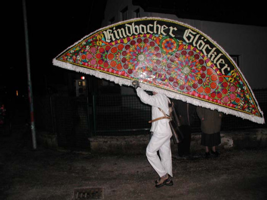 Glöcklerlauf head covering