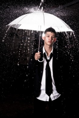 Man In The Rain by savit keawtavee