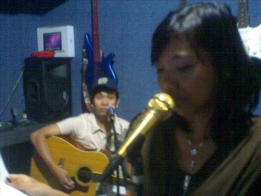 Riesh & Jessie rehearsing the song.