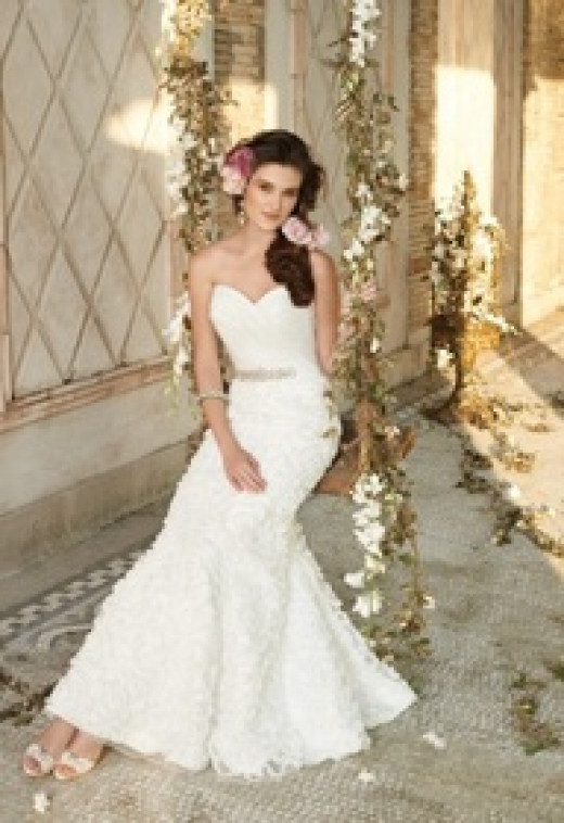 Where to find off the rack wedding gowns hubpages for Where to buy off the rack wedding dresses