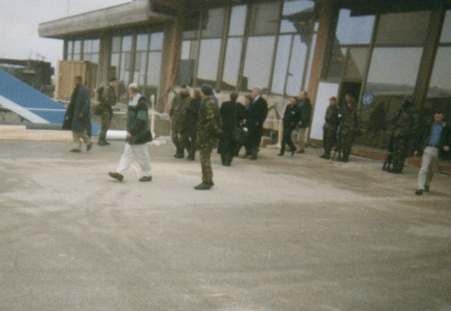 US President Bill Clinton at the Pristina International Airport 5 Nov 1999, visiting KFOR soldiers at Thanksgiving.