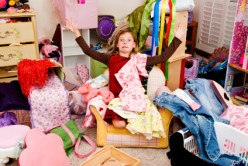 4 Steps to Getting Rid of Clothes Clutter