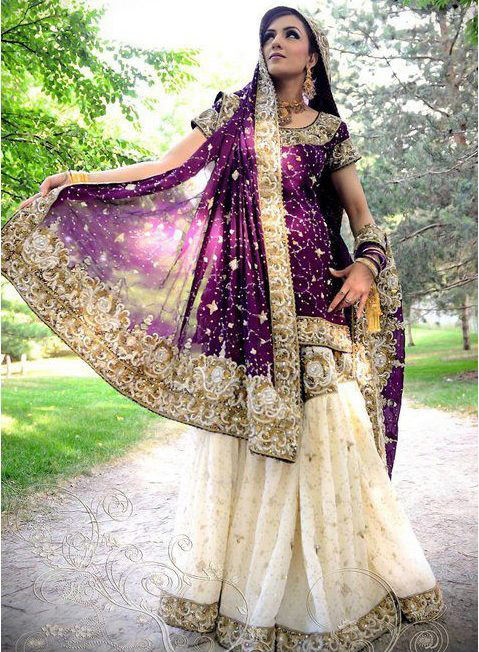 *MY PERSONAL FAVOURITE :)  Purple with Offwhite; done in Golden...still gives away so pure innocence. The Perfect Princess look :)