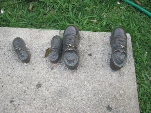 Shoe statues