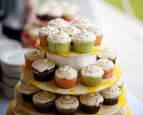 Coloured cup cakes/wedding cake