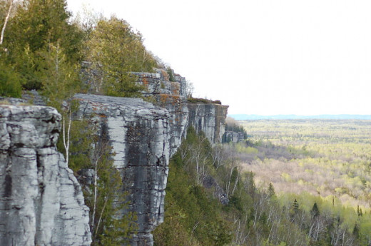 View of a Cliff on the Cup and Saucer Hiking Trail