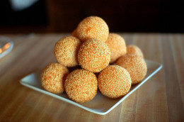 Deep Fried Tapioca Balls with Red Bean Paste Fillings