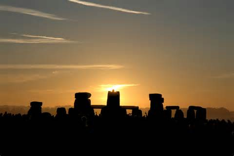 Stonehenge was designed to observe the sky above