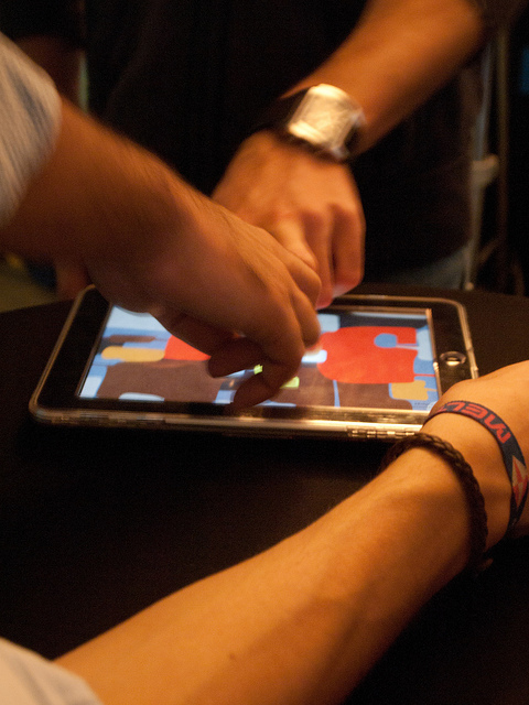 Play together or remotely with iOS games