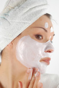 3 Acne Treatment Recipes for Oily, Dry Face With Sensitive Skin
