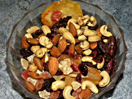 Dried fruits and nuts have high calories, but are very nutritious when eaten in moderation
