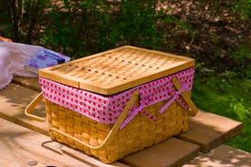 Learn how to pack a diet picnic that is healthy.