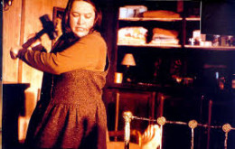 Annie Wilkes in action.