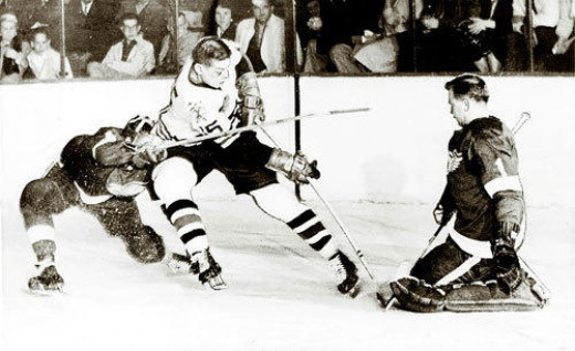 Blackhawks and Red Wings in 1961 Stanley Cup Finals