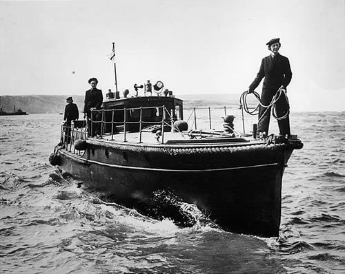 A vintage photo of WRENS - Women's Royal Navy Service during World War 2.