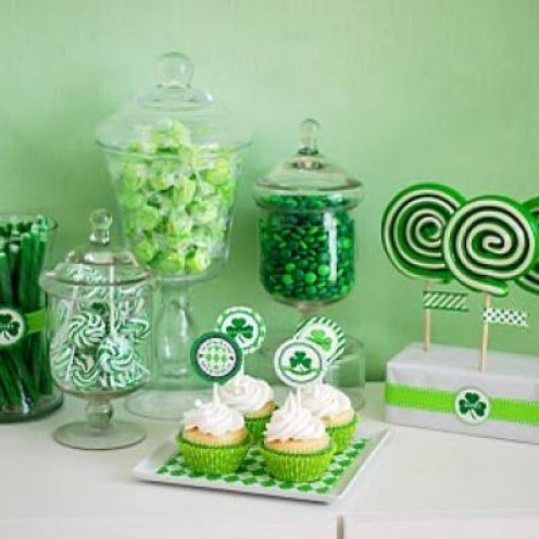 Use green with food and beverages to keep it Irish on St. Paddy's Day. Ask guests to dress in green.