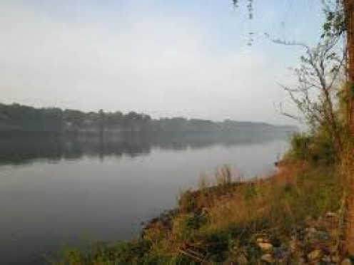 Florence has beautiful lakes for fishing and boating.