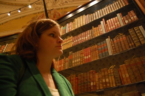 A visitor views the Jefferson Library at the Library of Congress.
