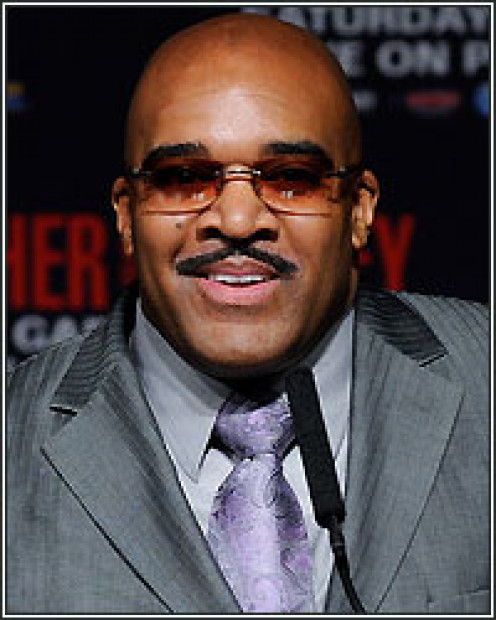 Leonard Ellerbe has managed Floyd Mayweather brilliantly. He is very smart and knows what to say and when to say it.