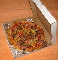 Homemade Pizza Recipe, Simple and Fast!
