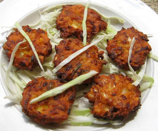 Yummy Crispy cabbage pakodas can wow your guests and transport them to Delhi in under a second.. here's the recipe: